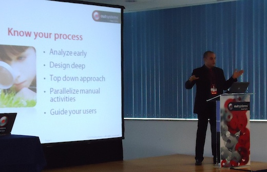 Gonçalo Borrêga presents patterns and best practices for BPT